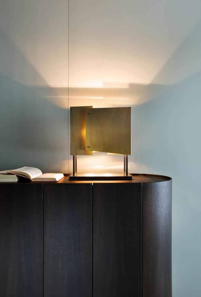 Table Lamp MA 20 is a lamp in black nickel brass and burnished brass