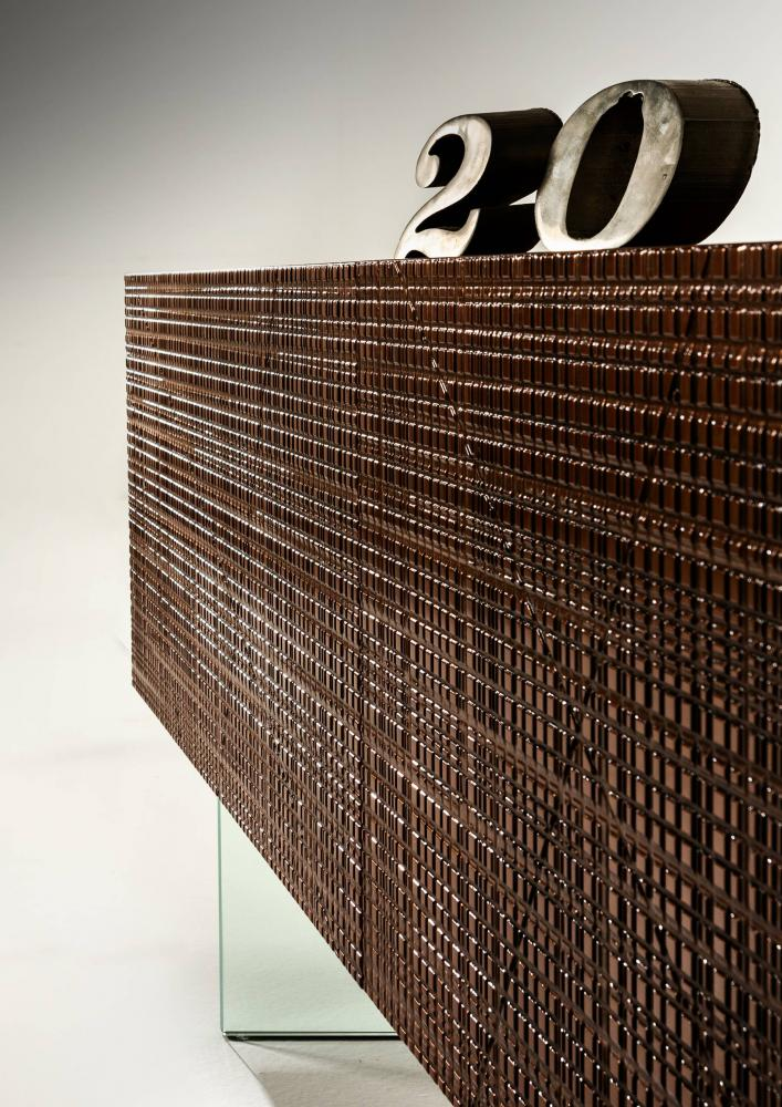 Maxima carved sideboard in Liquid Metals BD 51 for Laurameroni Anniversary
