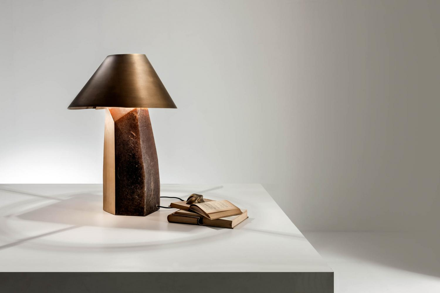 Table lamp with Alabaster base and brass lampshade