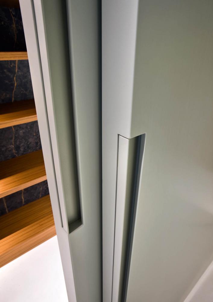 laurameroni brushed mat lacquered sliding door