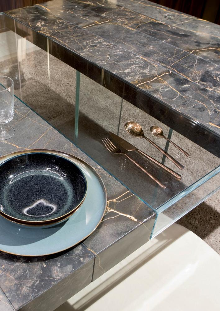 Elemento is a lxury modular rectangular table in marble port laurent and glass