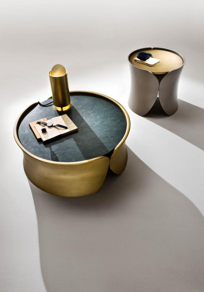 laurameroni hugs modern design round low tables in brass colour lacquered wood with marble top
