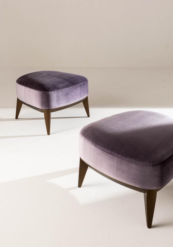 Margaret Pouf is a modern pouf in leather, velvet or fabric