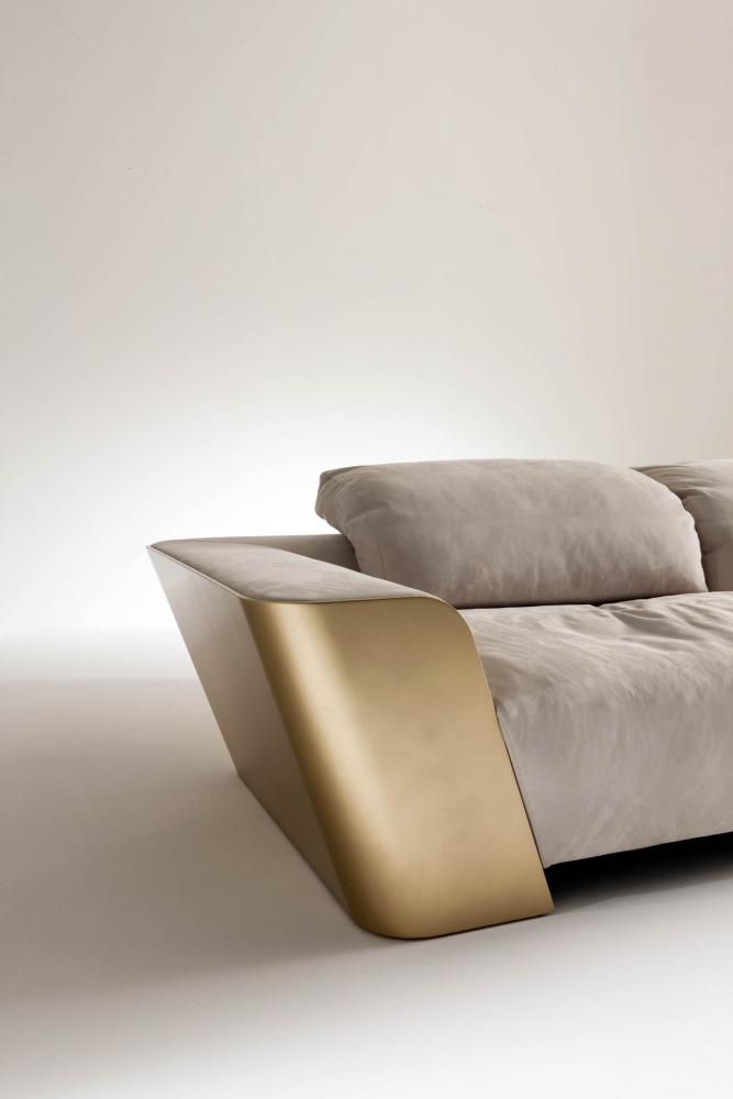 luxury modern design sofa in white nubuk leather and gold lacquered structure