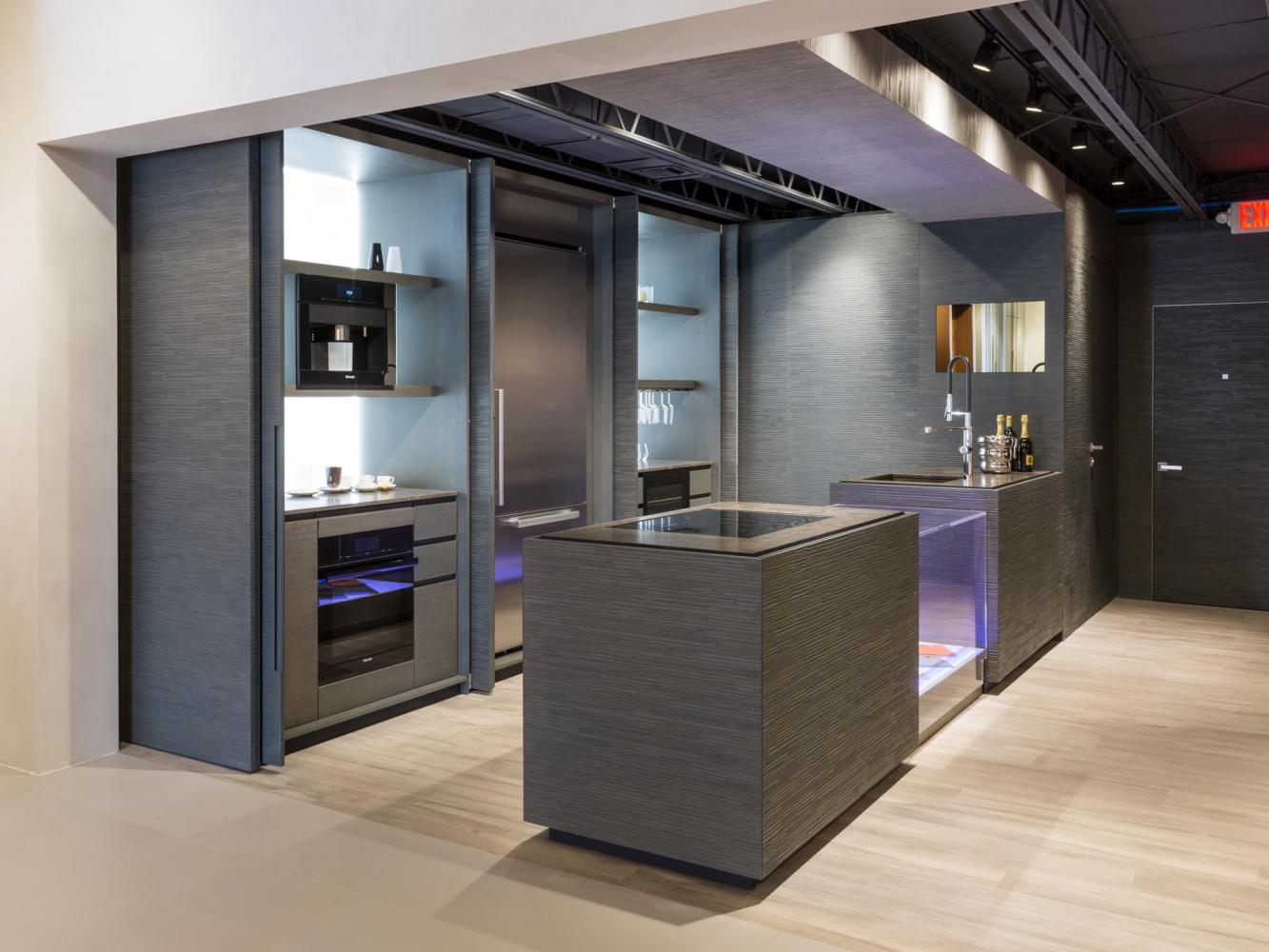 laurameroni bellagio bespoke kitchen in aniline dyed wood