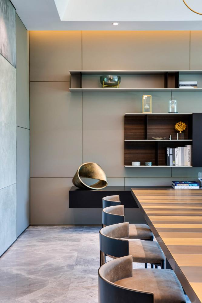 Laurameroni luxury private apartment in Hong Kong Redhill modern table clad in metal made in italy