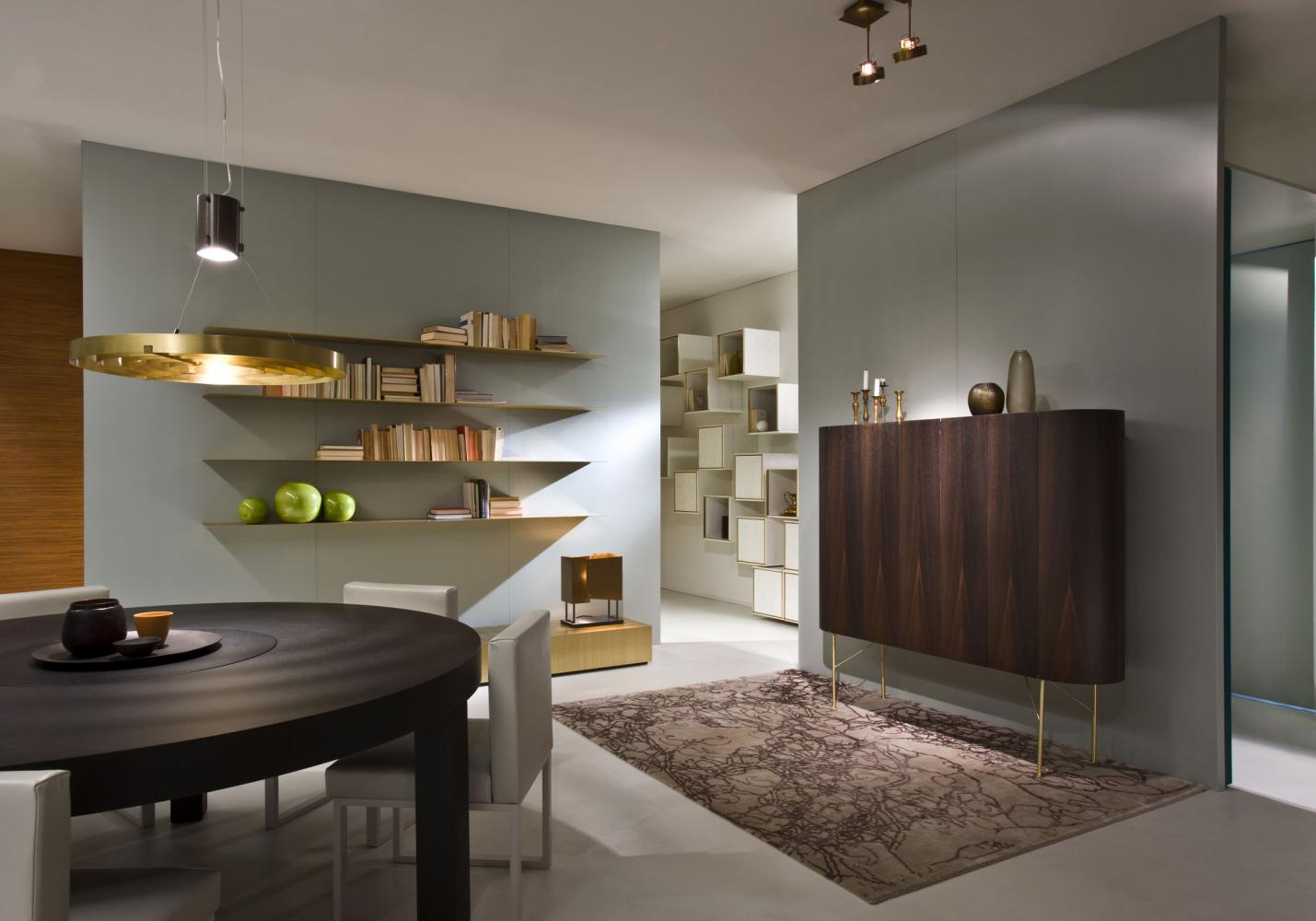 Laurameroni Design Showroom in Como Lake for a luxury modern decor inspiration