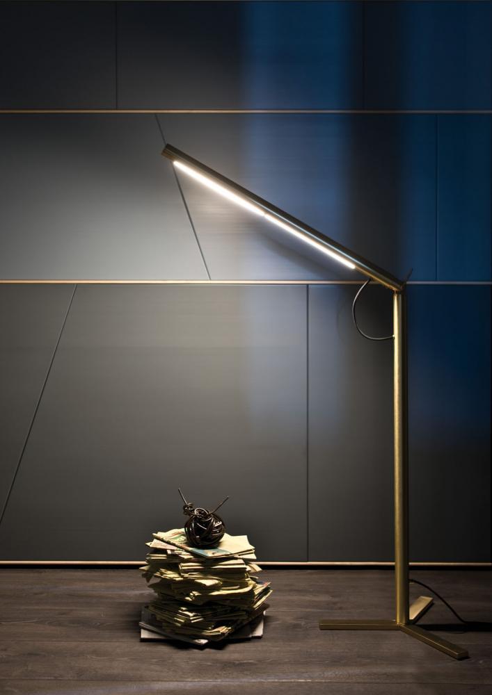 Modern cylindrical floor lamp in satin brass