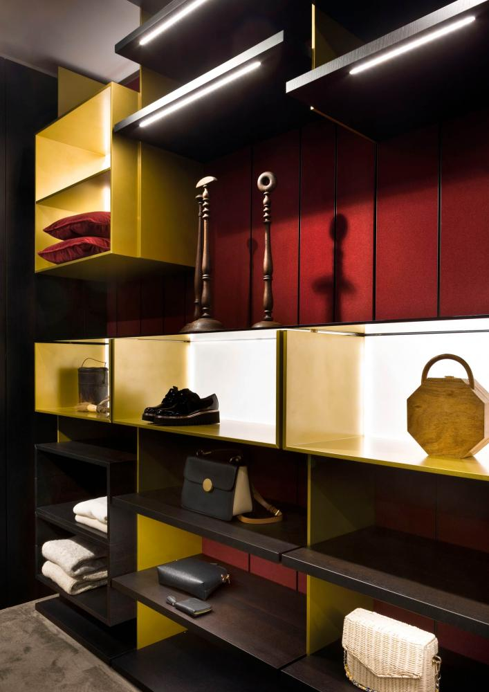 laurameroni bespoke line walk-in closet system in heat-treated oak and lacquered brass finish