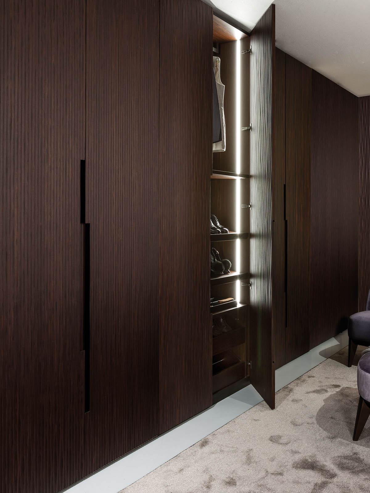 Onda Custom Made Wooden Wardrobe With Textured Hinged Doors Laurameroni Made In Italy