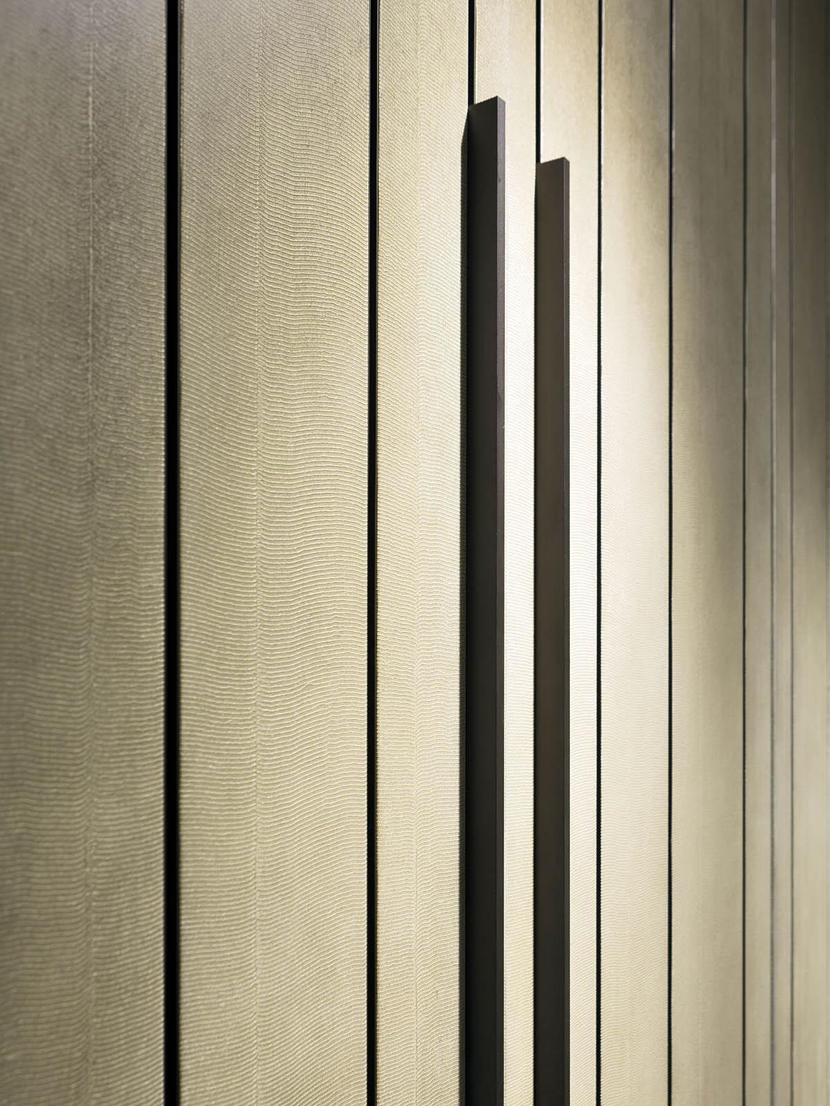 Appendiabiti Su Misura line - armadio su misura in legno ad ante battenti con