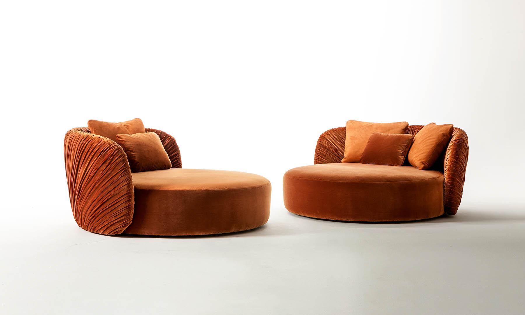 Modern luxury interior design drapé swivel round velvet sofa