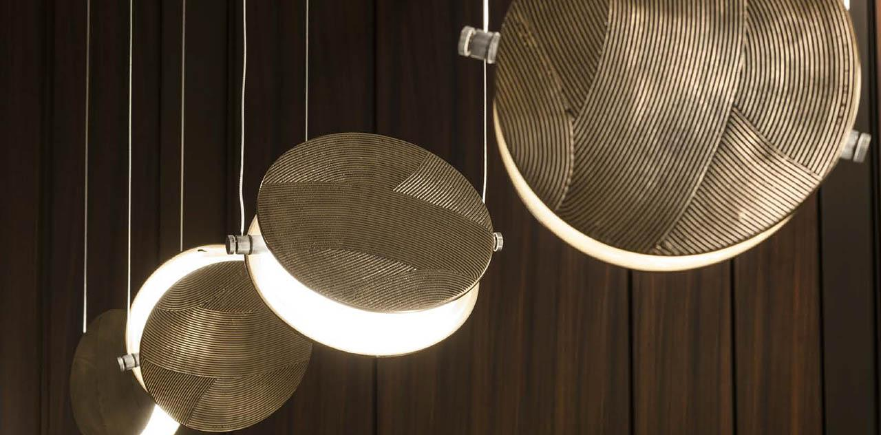 laurameroni clis lamp in fine metals and marbles luxury detail
